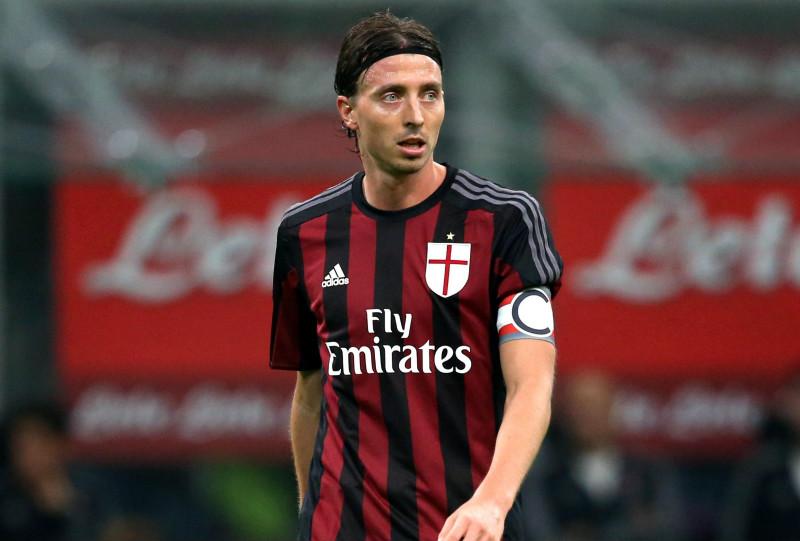 Riccardo-Montolivo-AC-Milan21_meitu_1.jpg